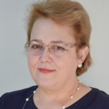 Student Education Task Force Chair <br><h3>Roxana Sirli </h3>